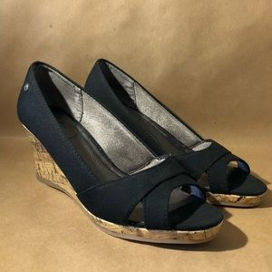 Life Stride peep toe black wedges. Size 8. New.